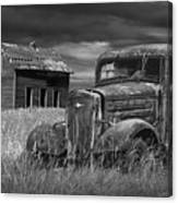 Old Vintage Pickup In Black And White By An Abandoned Farm House Canvas Print