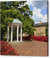 Old Well At Chapel Hill Canvas Print