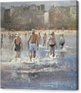 Paseo Por La Playa Del Sardinero Canvas Print
