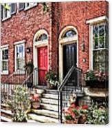 Philadelphia Pa - Townhouse With Red Geraniums Canvas Print