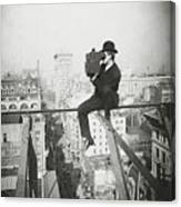 Photographing Nyc Above 5th Avenue - 1905 Canvas Print