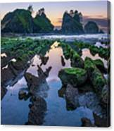 Point Of The Arches Canvas Print