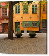 Quiet Little Square In Old Gamla Stan In Stockholm Sweden Canvas Print