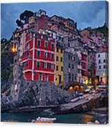 Riomaggiore In Cinque Terre Italy Canvas Print