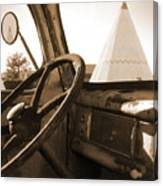 Route 66 - Parking At The Wigwam Canvas Print