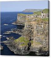 Ruins Of Dunluce Castle On The Sea Cliffs Of Northern Ireland Canvas Print