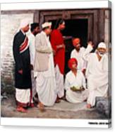 Sai With Dengle Patil At Nimgaon Canvas Print
