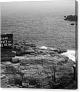 Shoreline And Shipwreck - Portland, Maine Bw Canvas Print