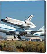 Space Shuttle Discovery Departs Edwards Afb August 19 2005 Canvas Print