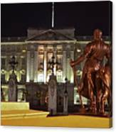 Statues View Of Buckingham Palace Canvas Print