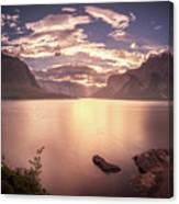 Sunrise At Lake Minnewanka Canvas Print
