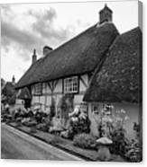 Thatched Cottages Of Hampshire 22 Canvas Print