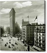 The Beautiful Flatiron Building Circa 1902 Canvas Print
