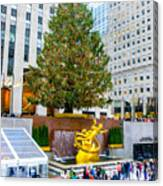 The Christmas Tree At Rockefeller Center New York City Canvas Print