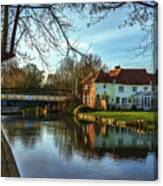 The Kennet And Avon Canal At Sulhamstead Canvas Print