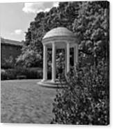 The Old Well At Chapel Hill In Black And White Canvas Print