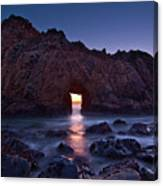The Portal - Sunset On Arch Rock In Pfeiffer Beach Big Sur In California. Canvas Print