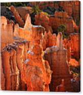 Thor's Hammer At Sunrise In Bryce Canyon Canvas Print