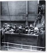 Titanic Rescue Ship Carpathia Arriving In Dock Canvas Print