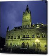 Town Hall At Night In Manchester Canvas Print