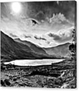 Tryfan And Llyn Ogwen Canvas Print