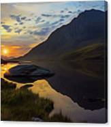 Tryfan Surnise Canvas Print