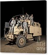 U.s. Army Medical Personnel Pose Canvas Print