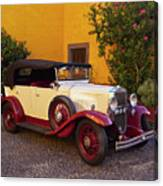 Vintage Car In Funchal, Madeira Canvas Print