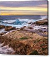 Waves Breaking Up On Rocks In Sydney Australia Canvas Print