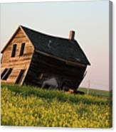 Weathered Old Farm House In Scenic Saskatchewan Canvas Print