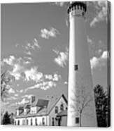 Wind Point Lighthouse And  Old Coast Guard Keepers Quarters.   Black And White Canvas Print