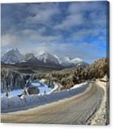 Morant's Curve On The Bow Valley Parkway Canvas Print