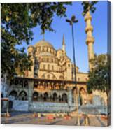 Yeni Cami , New Mosque , In The Morning, Istanbul, Turkey. Canvas Print