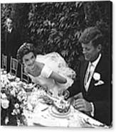 John F. Kennedy And Jacqueline Kennedy Canvas Print