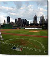 Chicago Cubs V Pittsburgh Pirates 11 Canvas Print