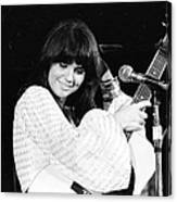 Photo Of Linda Ronstadt 20 Canvas Print