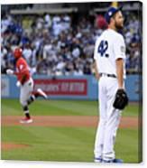 Cincinnati Reds V Los Angeles Dodgers 4 Canvas Print
