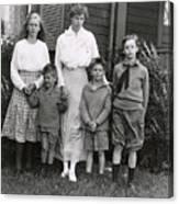 Eleanor Roosevelt With Her Children Canvas Print