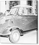 Janet Leigh And Tony Curtis In Minicar Canvas Print