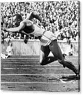 Jesse Owens At Start Of Race Canvas Print