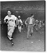 New York Giants Captain Alvin Dark Runs Canvas Print