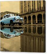 Old Blue Car In Havana Canvas Print