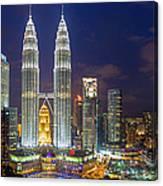 Panoramic View Of Petronas Twin Towers Canvas Print