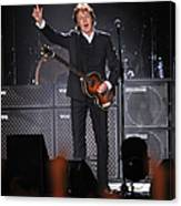 Paul Mccartney Brings The House Down At Canvas Print