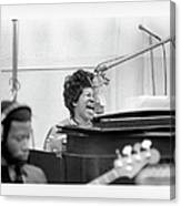 Queen Of Soul Recording In Ny Canvas Print