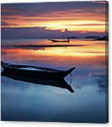 Seashore With Longtail Boats At Sunset Canvas Print