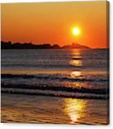 Sunrise Over The Nubble Lighthouse From Long Sands Beach Long Beach York Maine Canvas Print