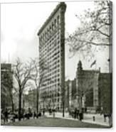The Flatiron Building 1903 Canvas Print