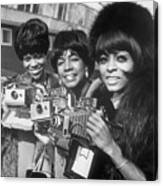 The Supremes With Cameras In London Canvas Print