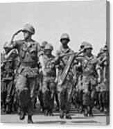 U.s. Marines Marching In Review Canvas Print